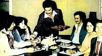 Orhan Gencebay Saklambaç okurlarına iftar ziyafetini çalışma yerinde verdi
