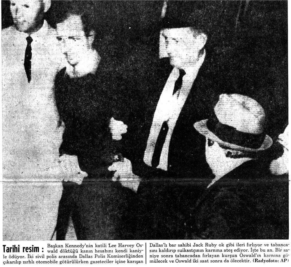 Oswald'ı bir bar sahibi tabanca ile vurdu