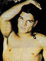 Ricky Martin eşcinsel mi