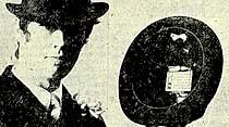 Erkekler için aynalı, taraklı ve radyolu şapkalar yapıldı