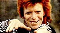 Kadın-erkek karışımı şarkıcı David Bowie Lizin sevgilisi oldu
