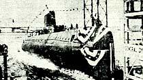 Atom denizaltısı denize indirildi