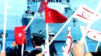 Türk savaş gemileri Kıbrıs'ta
