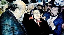 "Demirel Beşiktaş Pazarı'nı gezdi, ""Ooo...ot bile 25 lira olmuş!"""
