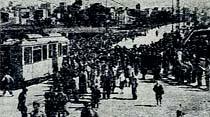 Haydarpaşa köprüsünden ilk tramvay merasimle geçti