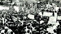 Gençler dün sabahtan emperyalizmi, öğlenden sonra da komünizmi lanetledi