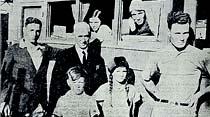 Yedi kişilik bir aile çoluk çocuk hep birden dünya seyahatine çıkmışlar