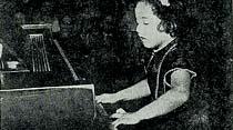 Küçük piyanist Mehveş sanatıyle dinleyicileri büyüledi