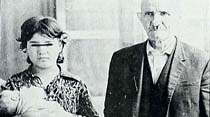 Torunu yaşındaki kızla evcilik oynayan 70'lik ihtiyar çocuk sahibi oldu