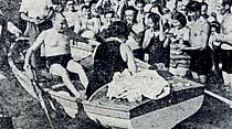 Büyük Önder Florya sahillerinde gezinti yapmışlar ve halk arasına girmişlerdir