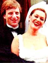 Hülya Paris'te evlendi
