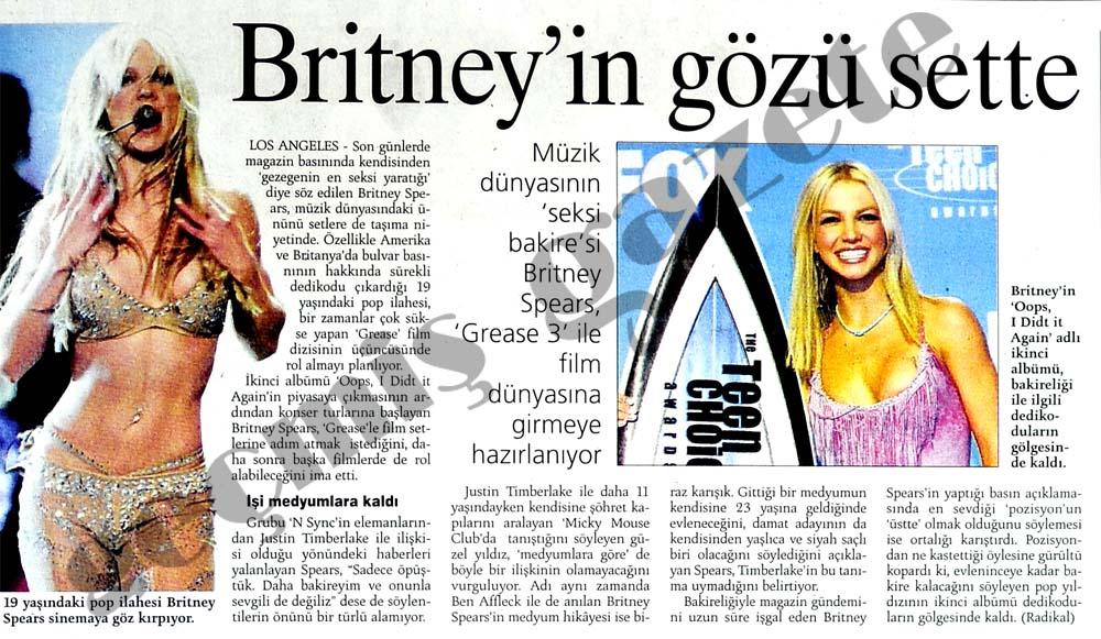Britney'in gözü sette