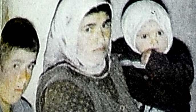 """Çift cinsiyetli Emine'nin """"ayıbı"""" gerdek gecesi ortaya çıktı"""
