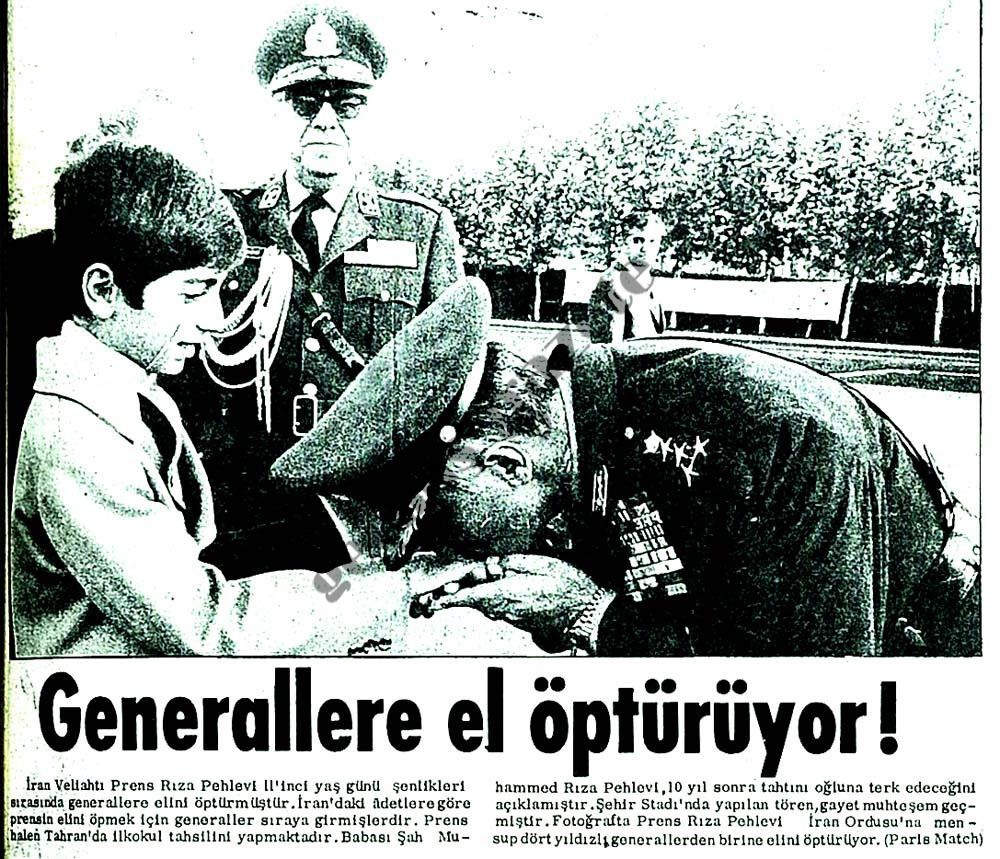Generallere el öptürüyor !