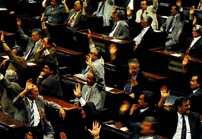 '12 Eylül' Anayasa'dan çıkarılıyor