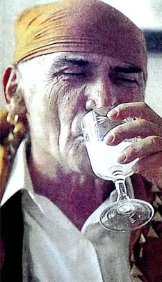 Ayran niyetine içilen ilk rakı