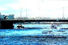 Galata Köprüsü ortada kaldı