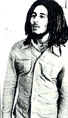 Dünya güzeli,  hippi şarkıcıya aşık oldu