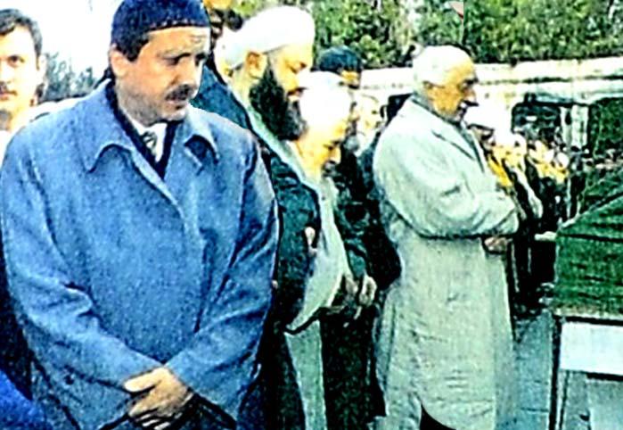 Fethullah Gülen, hocasına ağladı