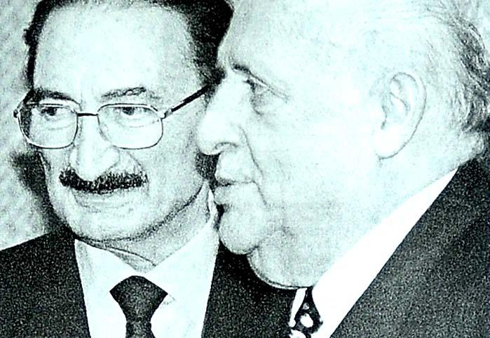 Köşk: Ecevit'e güven tam
