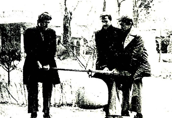 4'üncü Murat'ın idman taşını üç kişi güçlükle kaldırabildi